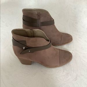 Brown Avenue Boots